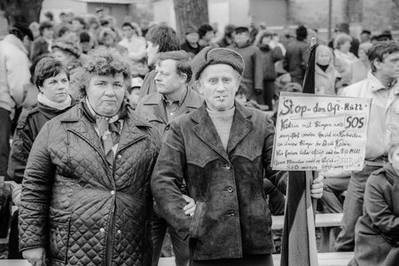 Demonstration gegen die Giftmülldeponie in Ketzin 20.1.1990